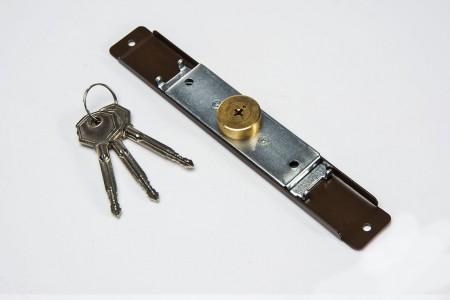 Espagnolette lock (Ø 28mm), 3 keys, light brown