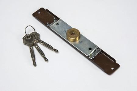 Espagnolette lock (Ø 28mm), 3 keys, walnut