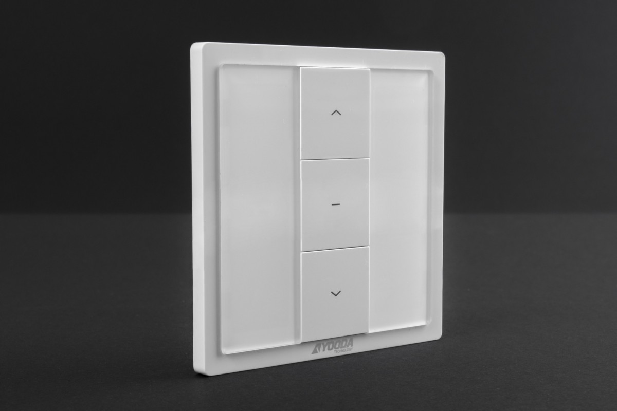 Single-channel MAGNETIC remote control with wall mounted holder