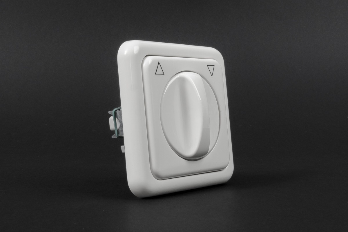 Выключатель поворотный, для внутренней проводки, с фиксацией