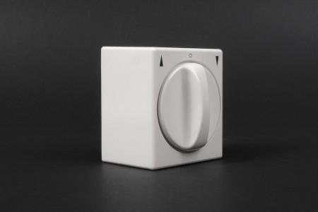 Latching rotary switch, wall mounted