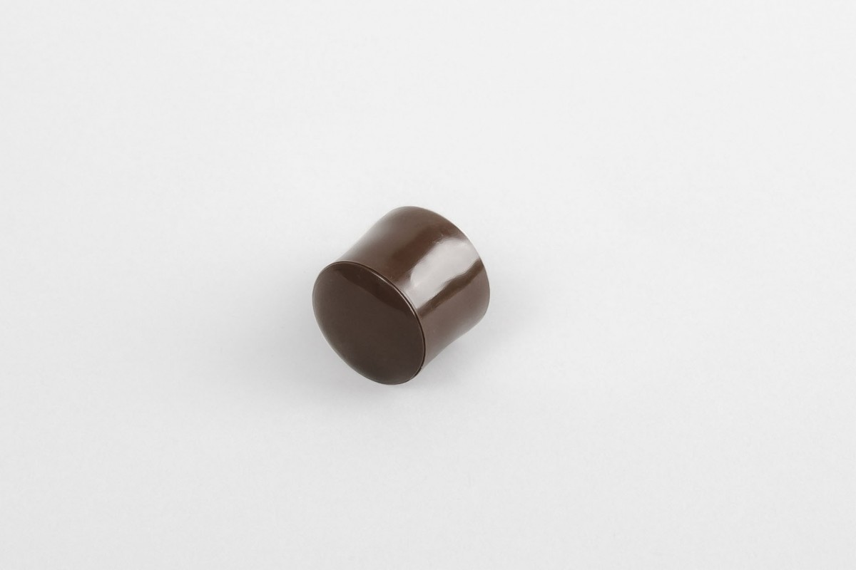 13 mm stopper with hole plug, light brown