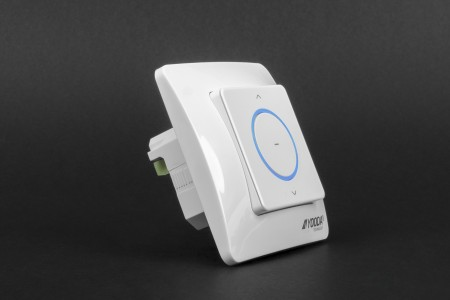 Single channel AURA flush mounted control unit with switch