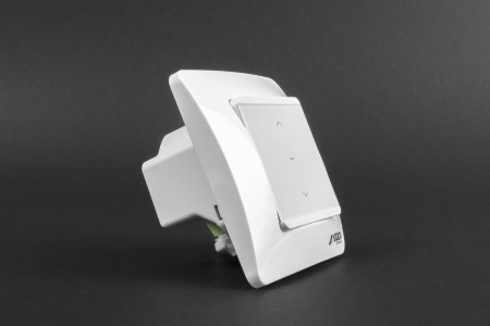Single channel SENSEO flush mounted control unit with switch