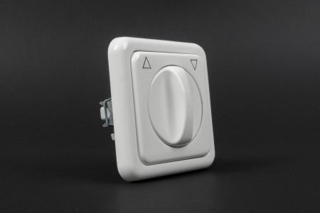 Latching rotary switch, flush mounted