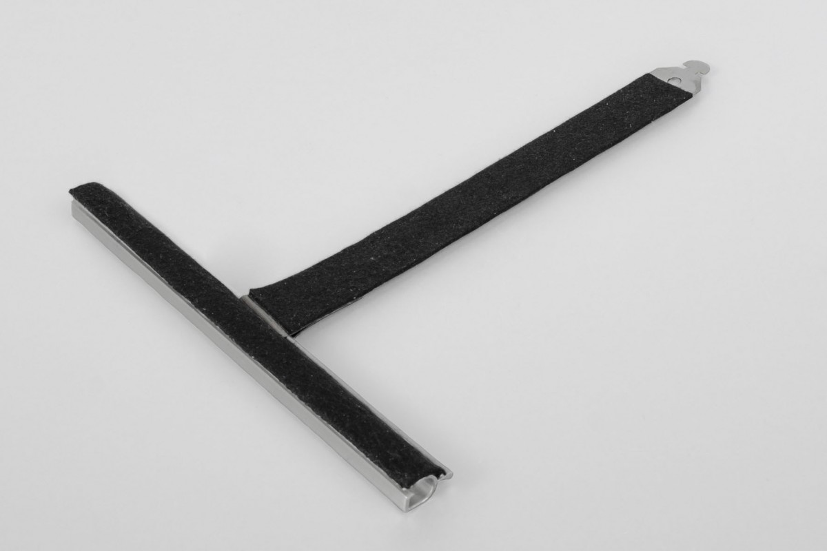 Felt coated retainer spring, ALU150 mortise, without cut, L170 mm, for 37-52 profiles