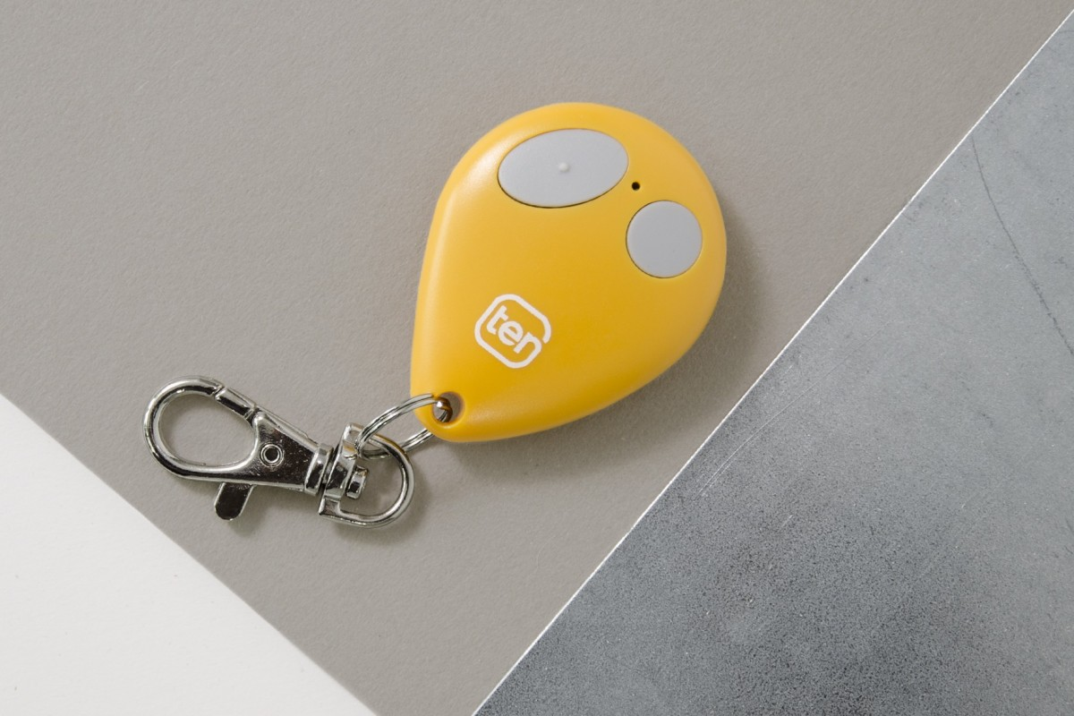 2-channel yellow key ring