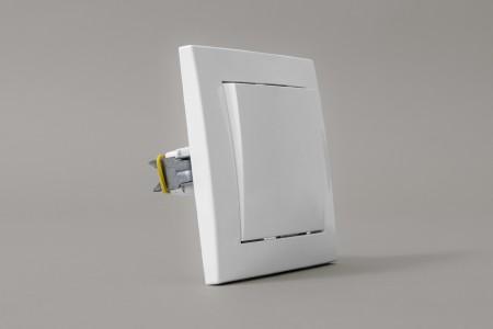 Przełącznik impulsowy podtynkowy do przekaźnika MR2/EVY